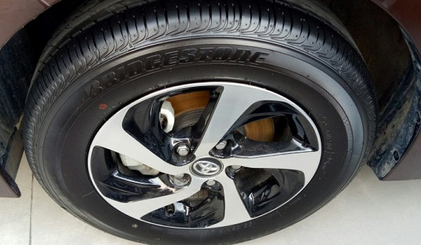 丰田雷凌轮胎是什么牌子 雷凌用的什么牌子轮胎(普利司通)