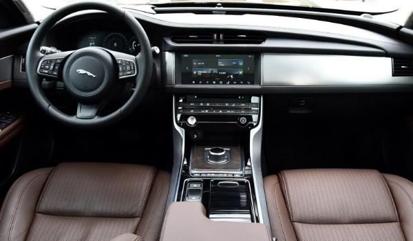 捷豹xfl是什么级别的车 捷豹xfl属于什么级别车(中大型轿车)