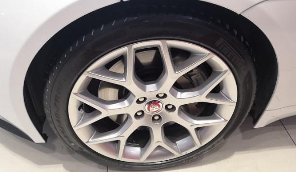 捷豹ftype轮胎尺寸 捷豹ftype轮胎数据(两种轮胎数据)