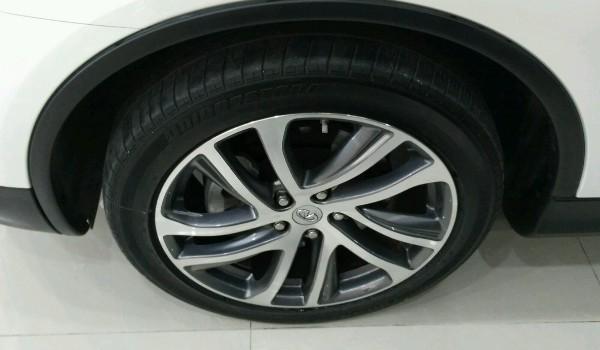 英菲尼迪qx50轮胎什么牌子 用的是什么牌子的轮胎(普利司通轮胎)