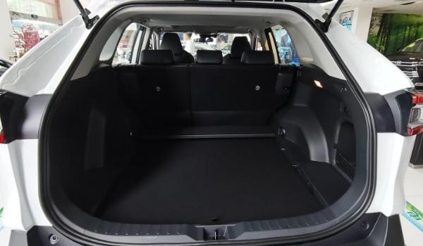 威兰达车身尺寸是多少 威兰达后备箱尺寸多少(常规容积580L)